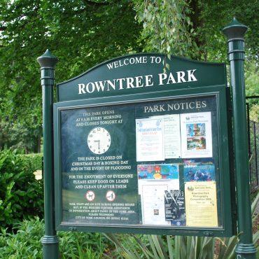 Rowntree Park gates