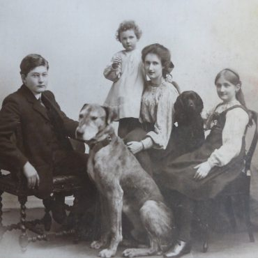 Lawrence Rowntree, dog Hamlet, and family